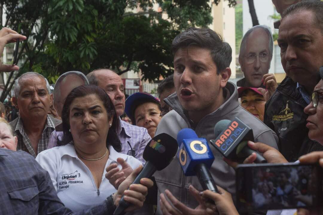 Colectivos agraden a manifestantes en Montalbán