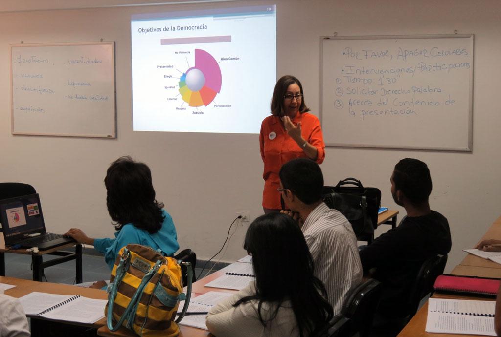 Carlota Salazar, coordinadora del movimiento político Anzoátegui Plural