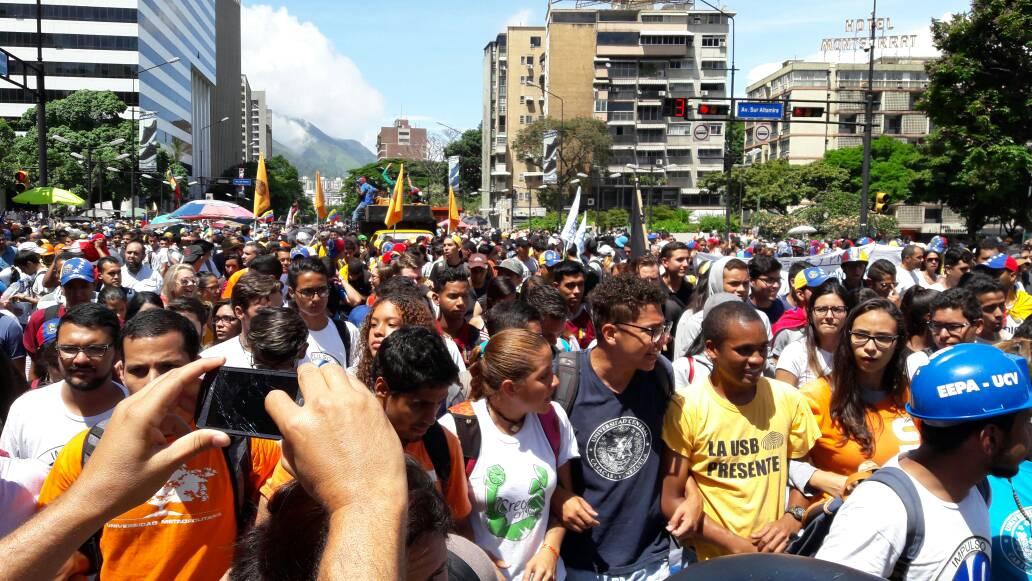 Obbligazioni venezuela e petroleos de venezuela pagina for Pagina del ministerio de interior y justicia