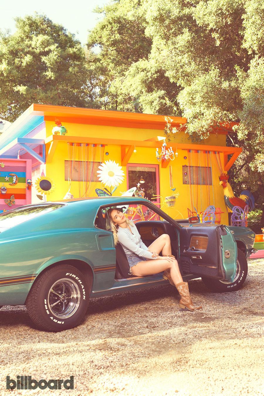 MileyCyrus-Billboard2