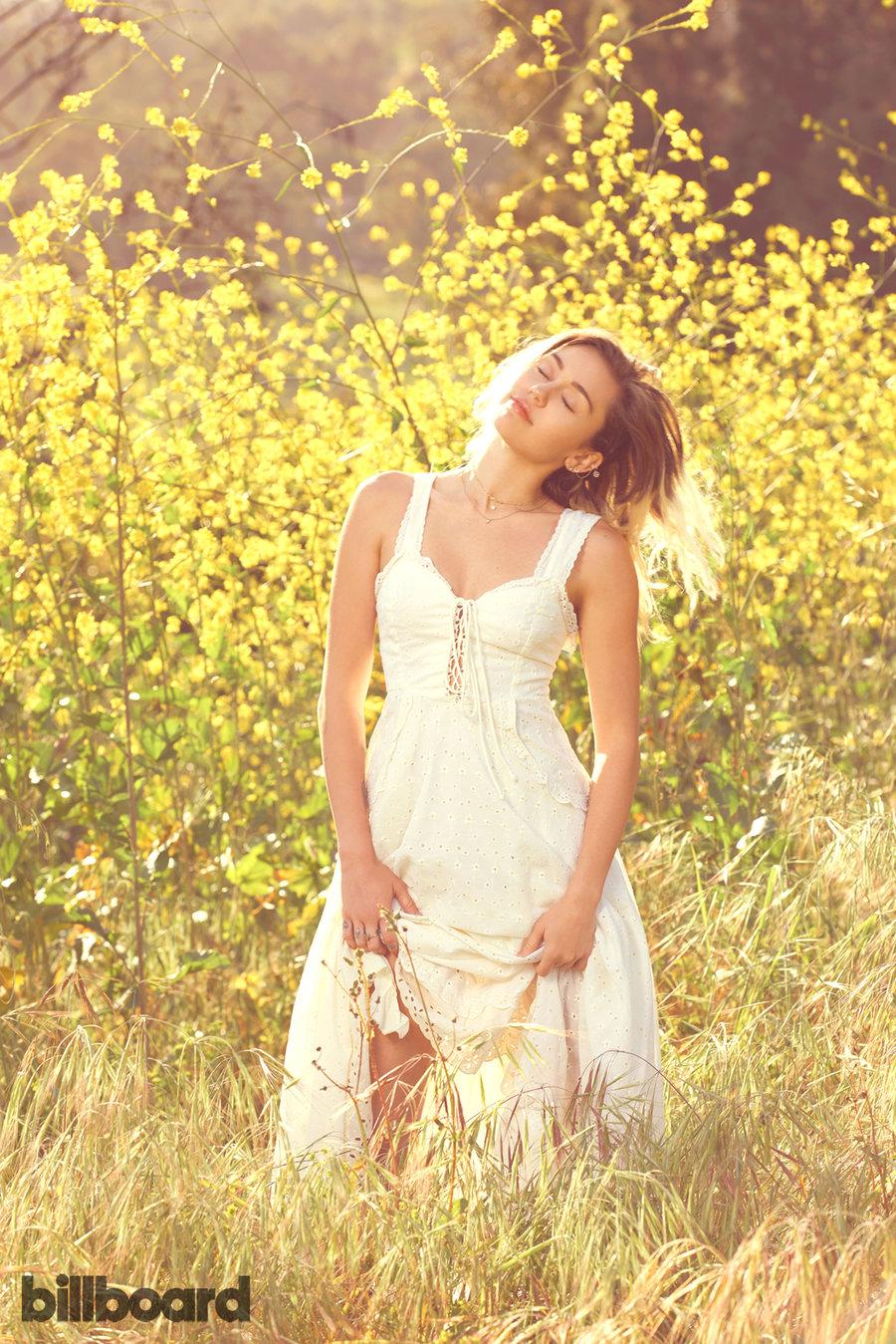 MileyCyrus-Billboard3