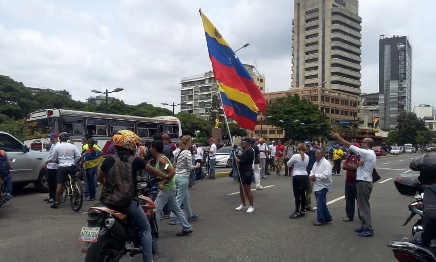 11 30 am plaza altamira lista para marchar hacia el for Ministerio de educacion plazas