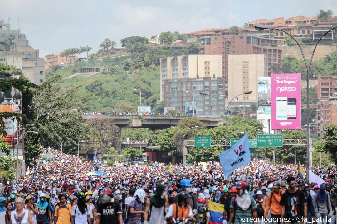 La Unidad se concentrará en Los Ruices este #20May y marchará junto al sector salud el lunes. Foto: Régulo Gómez / LaPatilla.com