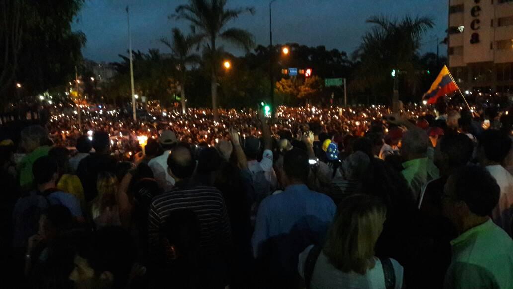 Opositores se concentraron en Caracas este #17May en honor a los caídos durante protestas Foto: Eduardo Ríos / LaPatilla.com