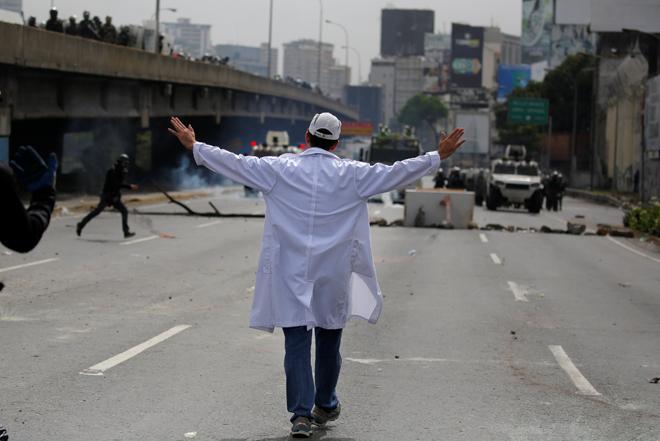 Represión a marcha de salud este #22May REUTERS/Carlos Barria