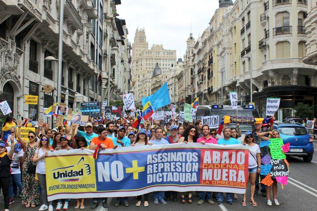 #NoMasAsesinatos, el grito de los venezolanos en Madrid. Foto: @RCTVnoticias