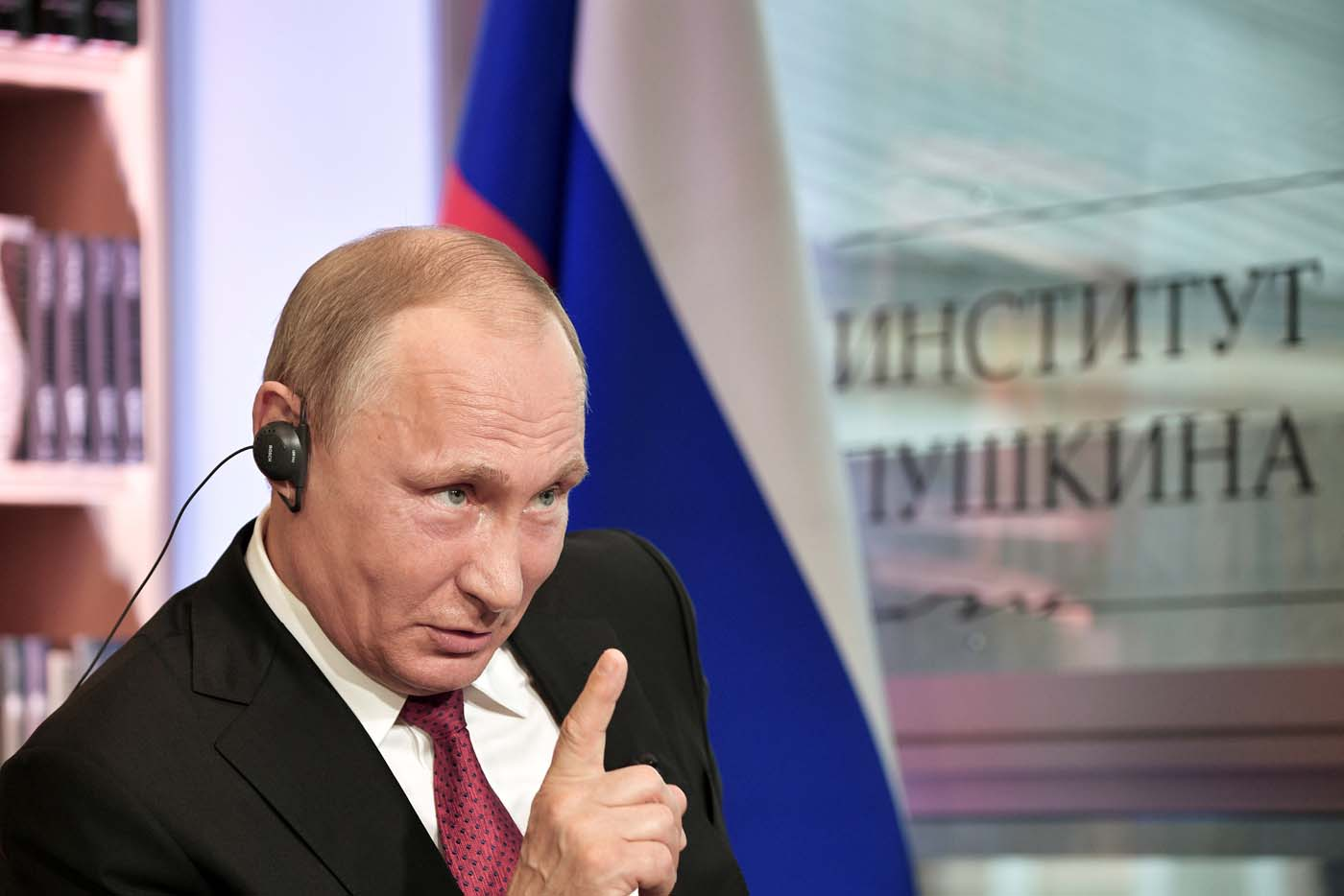 Russian President Vladimir Putin gestures during an interview with French daily newspaper Le Figaro in Paris, France May 29, 2017. Picture taken May 29, 2017. Sputnik/Aleksey Nikolskyi/Kremlin via REUTERS ATTENTION EDITORS - THIS IMAGE WAS PROVIDED BY A THIRD PARTY. EDITORIAL USE ONLY.     TPX IMAGES OF THE DAY