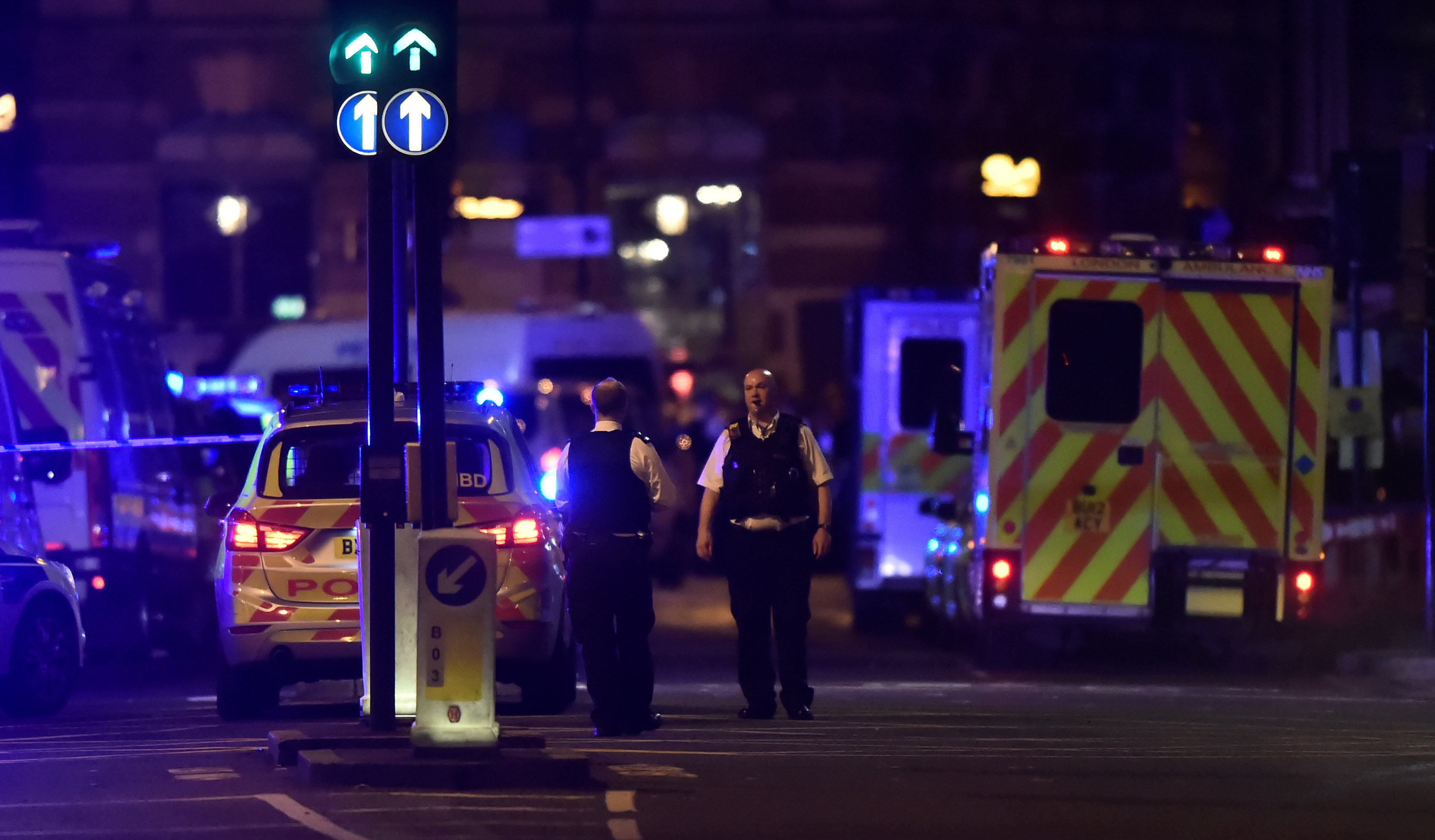 Police attend to an incident on London Bridge in London, Britain, June 3, 2017. Reuters / Hannah McKay