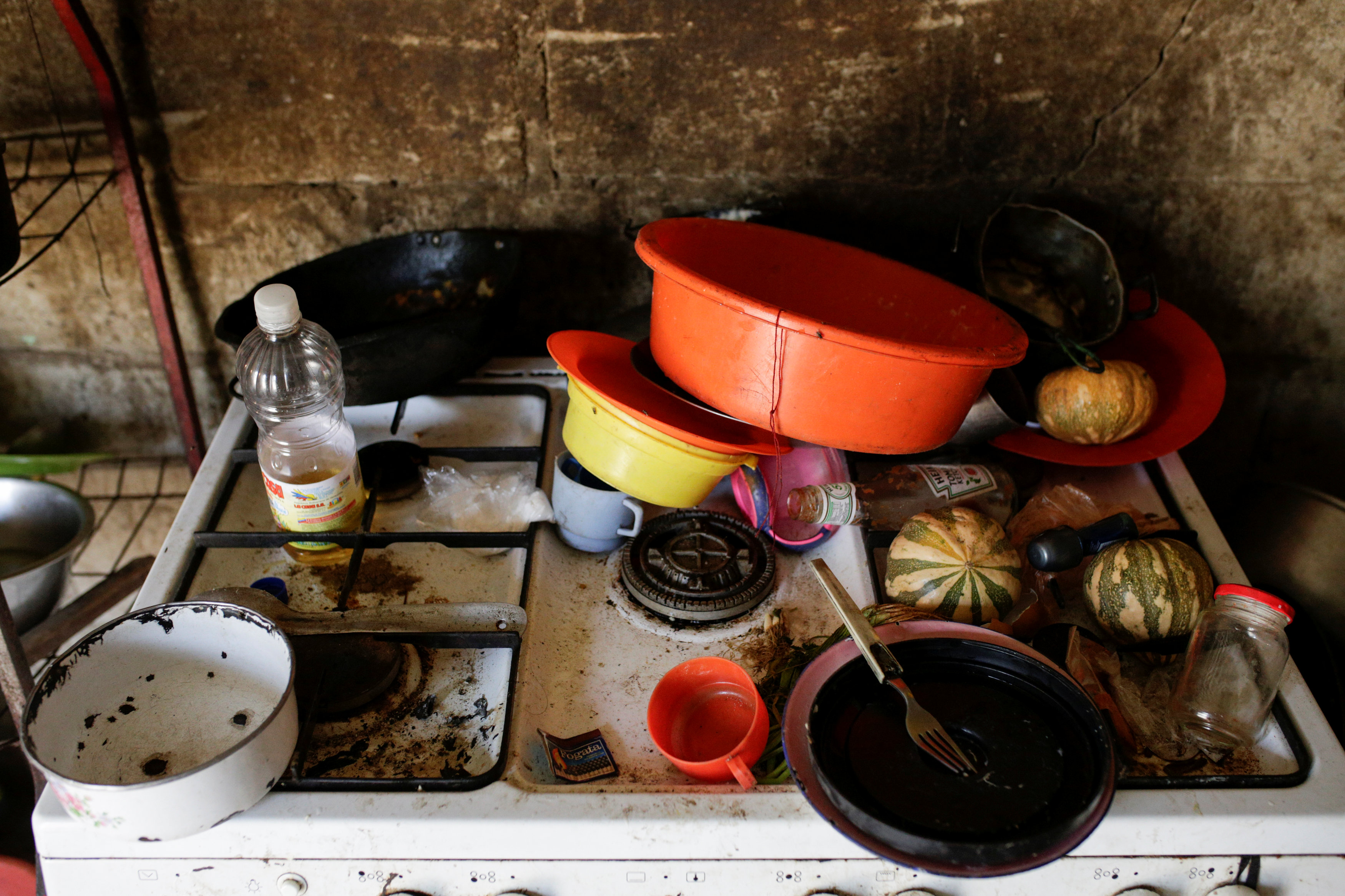 A view of the kitchen of Lideibis Bracho, who was diagnosed with chronic malnutrition, at her hovel in Paraguaipoa, Venezuela March 1, 2017. Picture taken March 1, 2017. REUTERS/Marco Bello