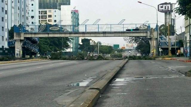 Foto: Barricadas en la avenida Libertador de Barquisimeto / Cortesía