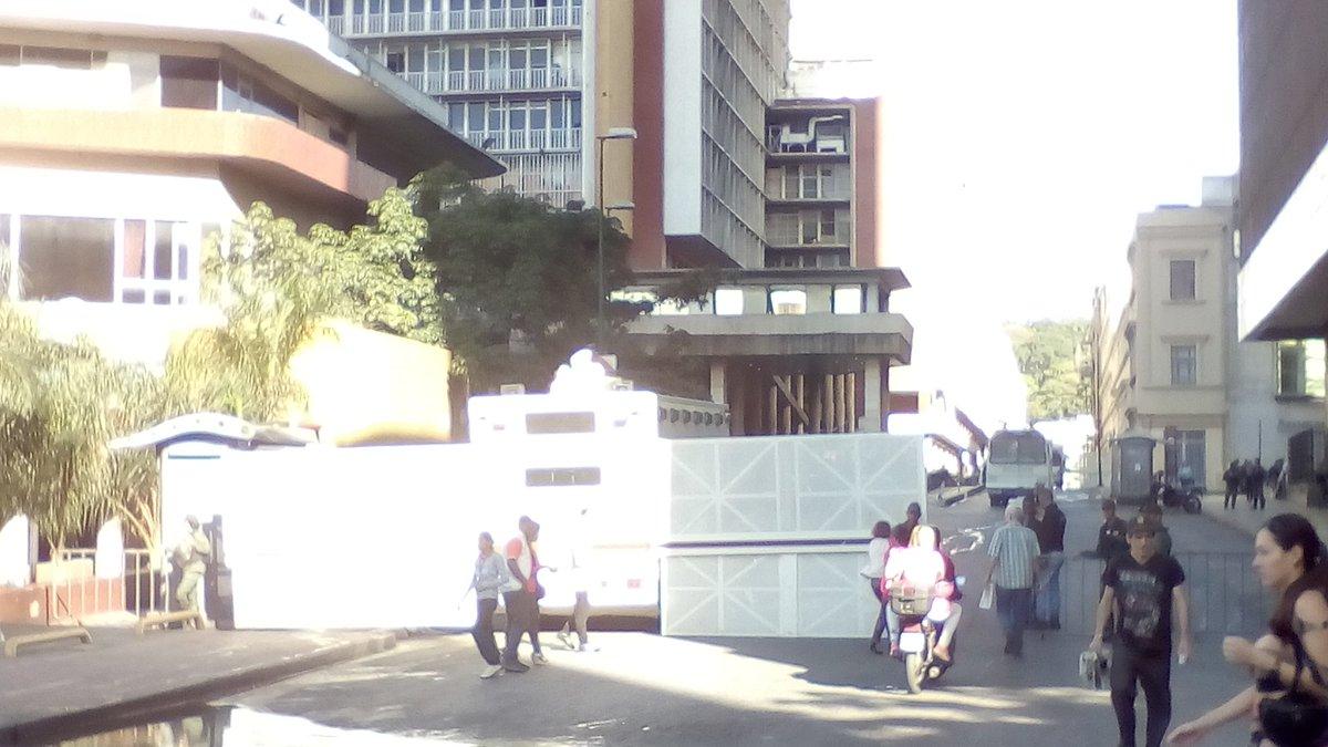 Barrera GNB en CNE 19Junio