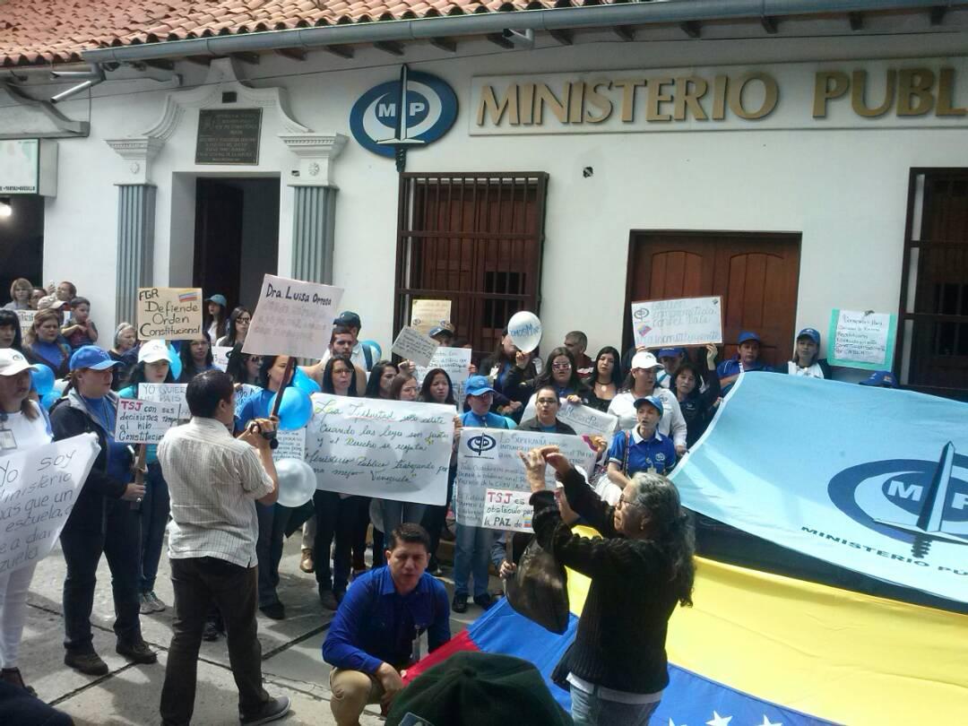 Foto: Ministerio Público en Mérida también apoyan a la Fiscal General / Leonardo León