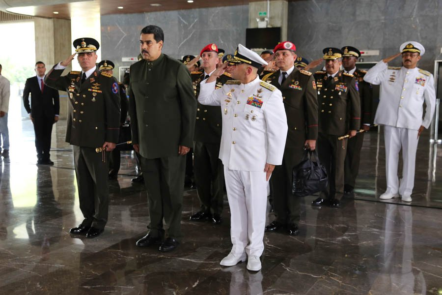 Presidente Nicolás Maduro junto al ministro de Defensa. Foto: Prensa presidencial