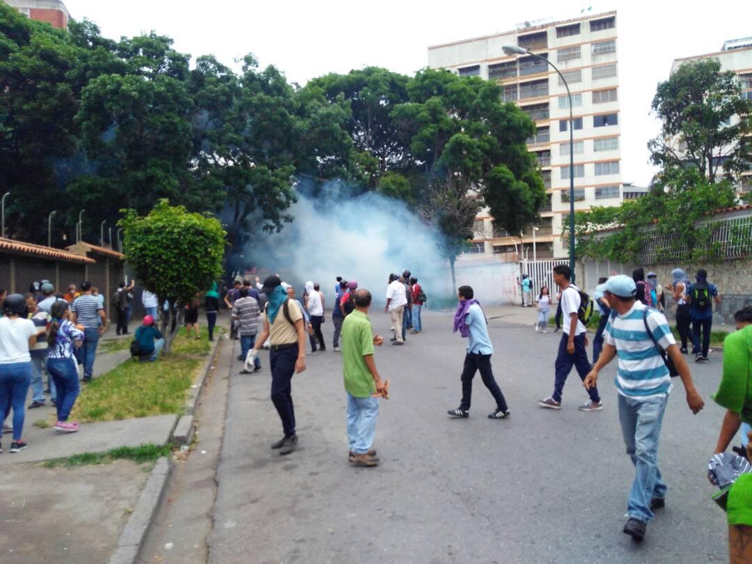 Reprimen a manifestantes en Montalban