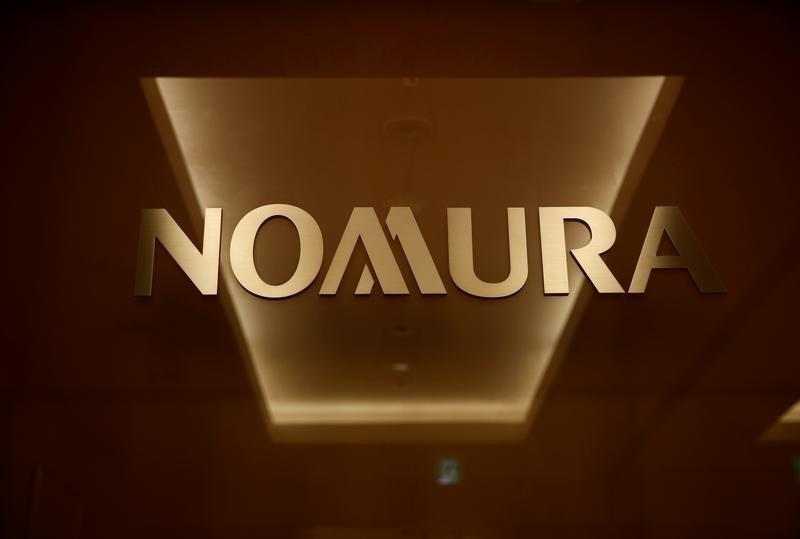 El logo de Nomura Securities es fotografiado en la sede de la compañía en Tokio, Japón, 18 de noviembre de 2016. Picture taken November 18, 2016.     REUTERS/Toru Hanai