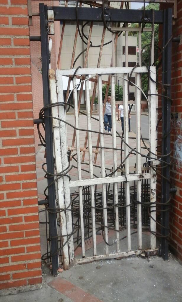 GNB perpetró un madrugonazo contra los vecinos de El Paraíso. Foto: Carlos Arana / LaPatilla.com