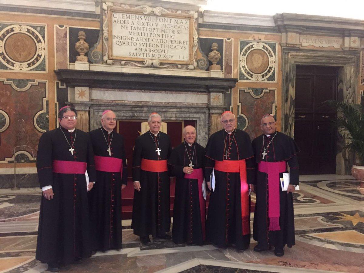 El papa recibió a los obispos (Foto CEV)