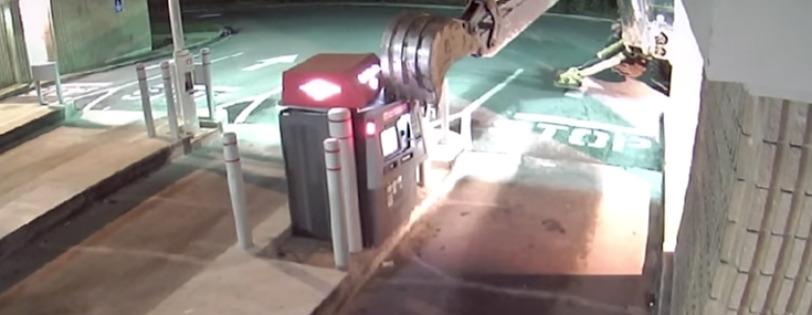 Hombre intentado robar un cajero con una retroexcavadora