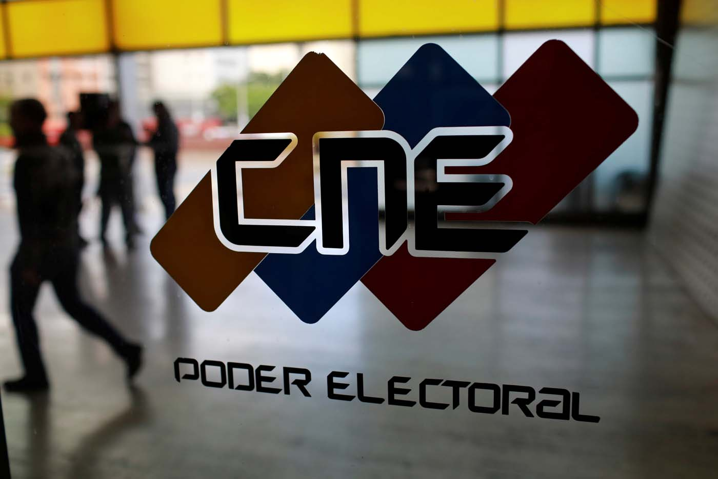 Así de vacíos están los centros de votación este #30Jul REUTERS/Marco Bello