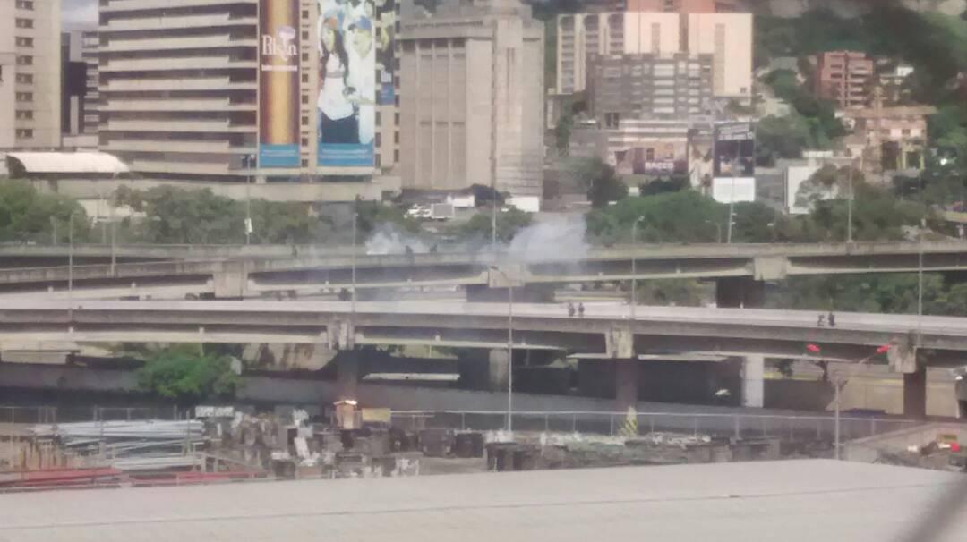 Reprimen a manifestantes en la autopista Francisco fajardo / Foto: La Patilla
