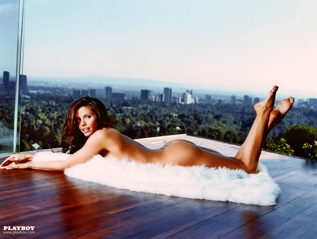 Charisma_Carpenter_Playboy-June-2004 (9)