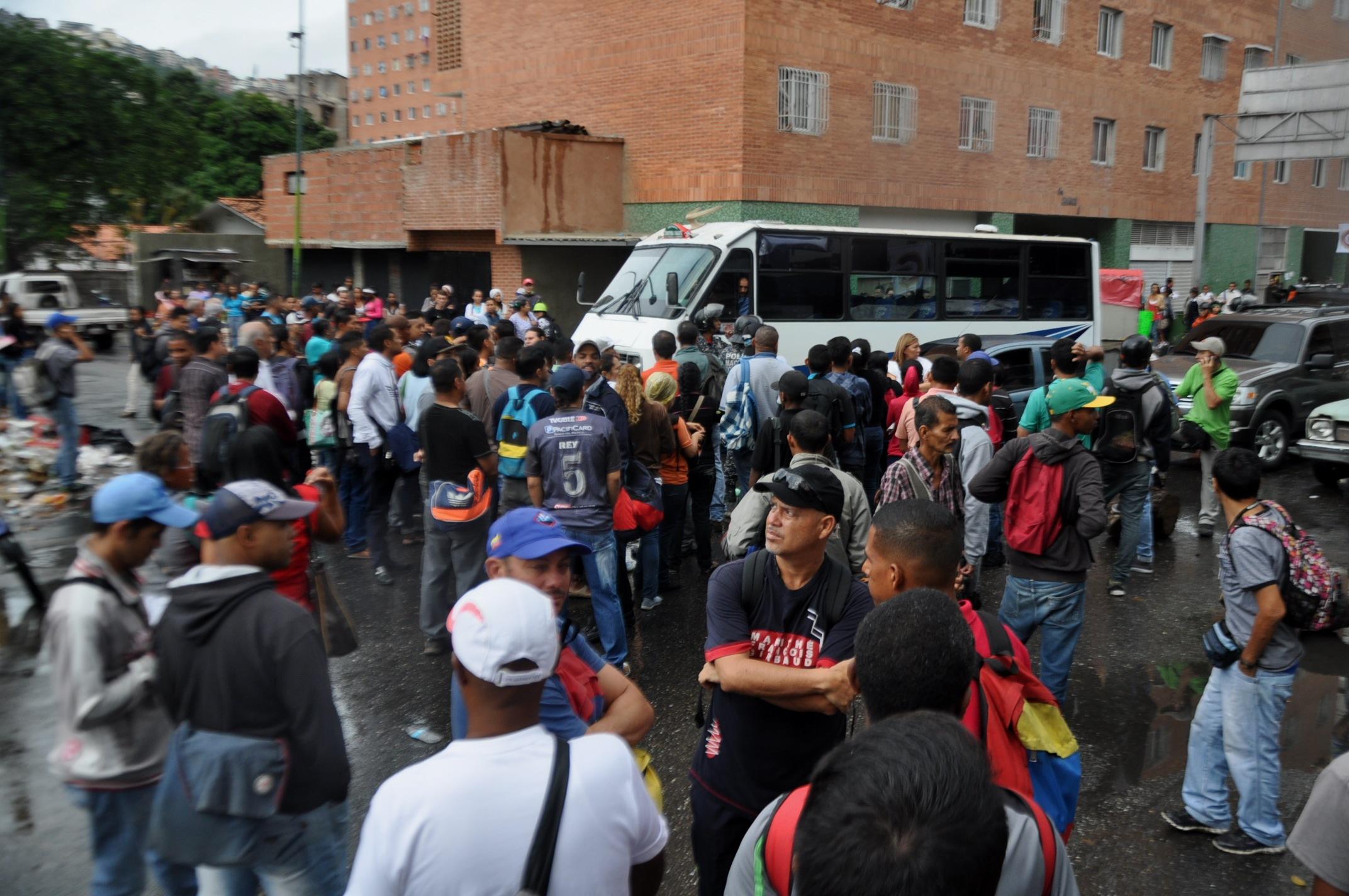 Transportistas comenzaron a cobrar el aumento este lunes (foto News Report)