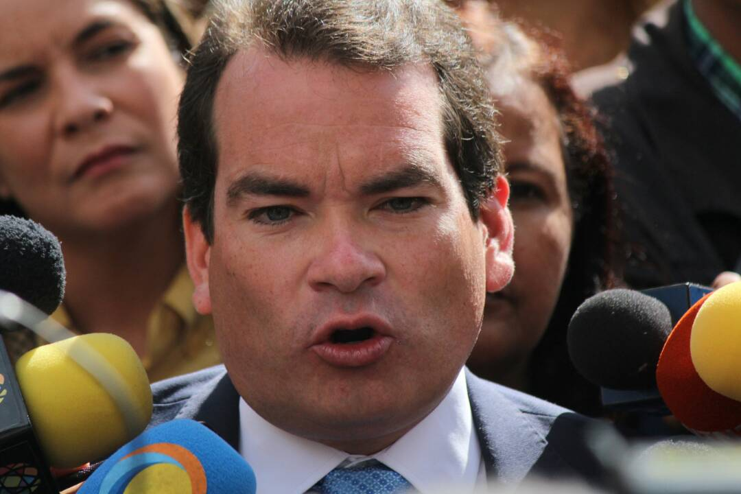 Al menos cinco funcionarios golpearon al diputado mill n for La patilla nacionales