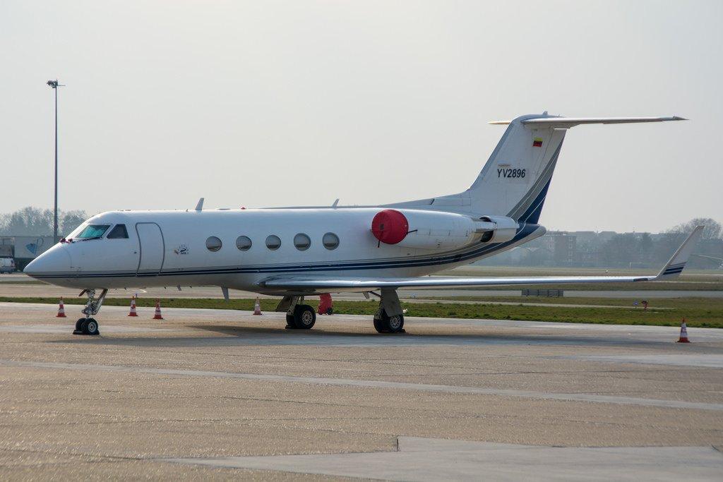YV2896