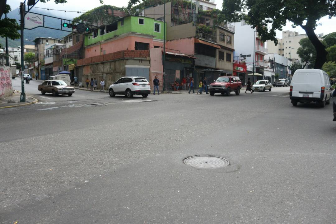Avenida Andrés Bello con barricadas / Fotos: Will Jiménez