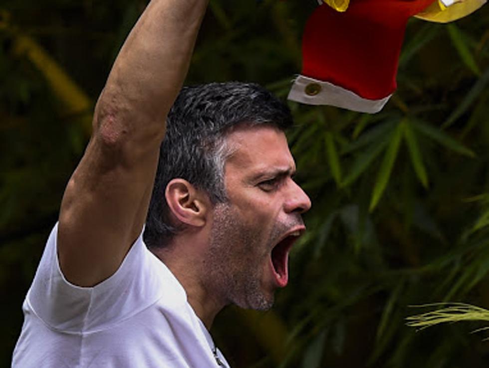 Leopoldo López recibió este sábado una medida de arresto domiciliario. Foto: AFP