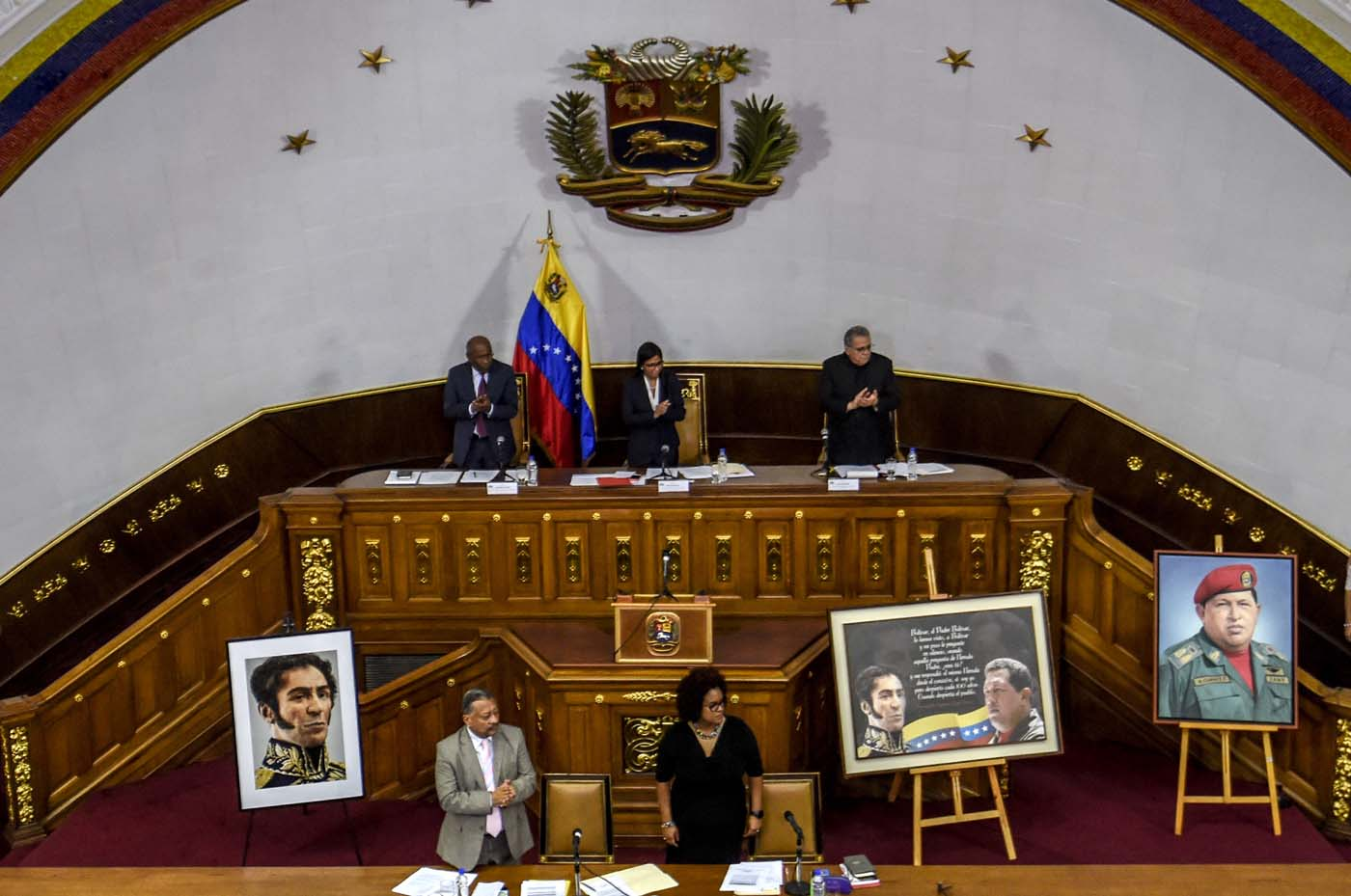 """The president of Venezuela's Constituent Assembly Delcy Rodriguez (back row-C) is pictured during a session in Caracas on August 8 , 2017.  The United Nations on Tuesday slammed Venezuela's use of """"excessive force"""" against protesters, amid worsening tensions and fresh moves against the opposition. / AFP PHOTO / JUAN BARRETO"""