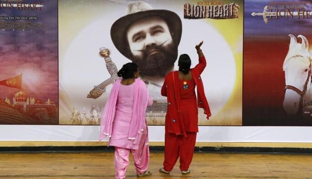 En 2015 fue acusado de haber animado a 400 discípulos a castrarse para acercarse a Dios. También fue investigado con relación al asesinato de un periodista en 2002. (Foto: AFP)