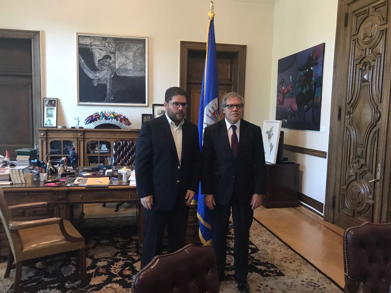 Alcalde de Lechería reunido con Luis Almagro / Foto cortesía