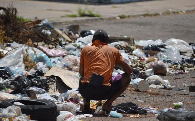 Avanzada Progresista denuncia aumento de personas comiendo de la basura