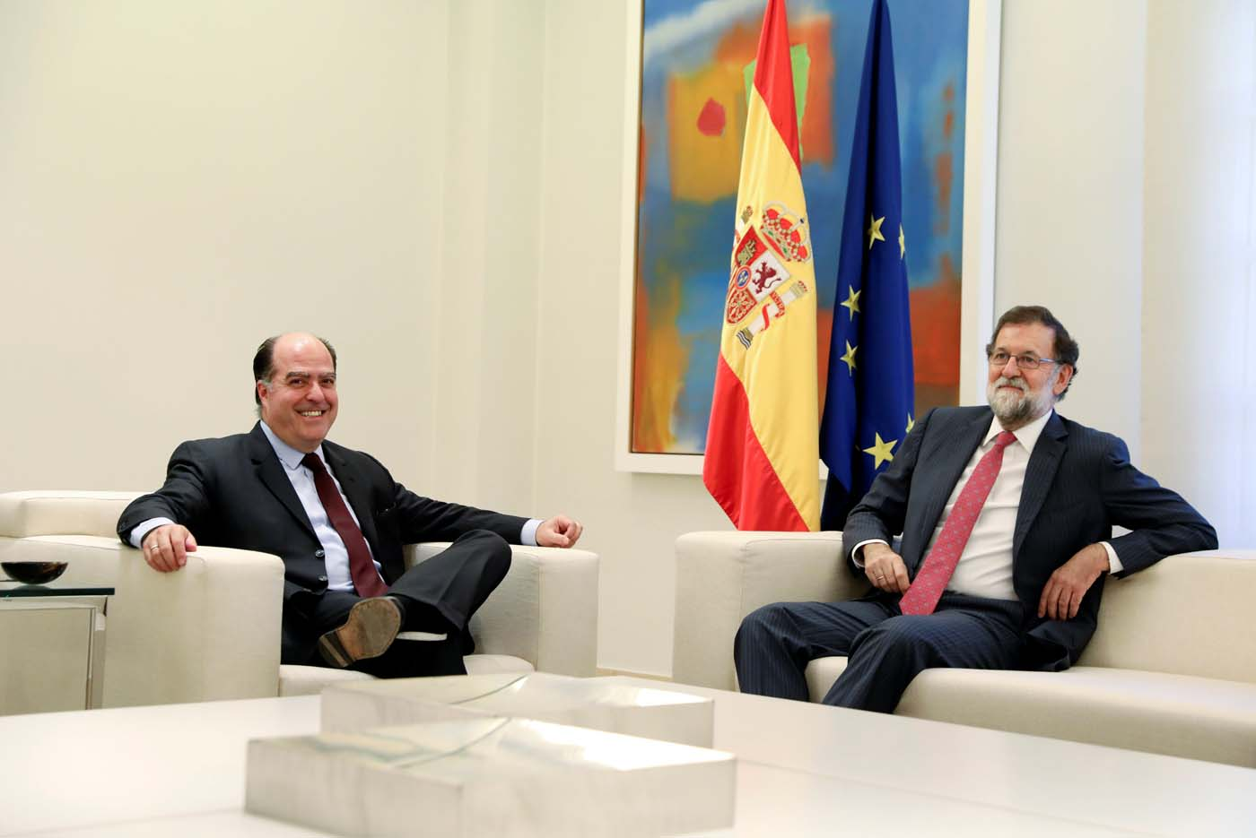 Spanish Prime Minister Mariano Rajoy and Julio Borges, president of the National Assembly and lawmaker of the Venezuelan coalition of opposition parties (MUD), pose as they meet at Moncloa Palace in Madrid, Spain, September 5, 2017. REUTERS/Susana Vera