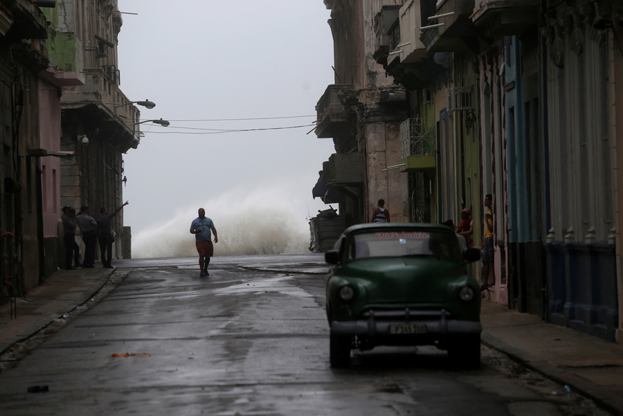 REFILE - QUALITY REPEAT Waves crash on the street as Hurricane Irma turns toward the Florida Keys on Saturday, in Havana, Cuba September 9, 2017. REUTERS/Stringer NO RESALES. NO ARCHIVES     TPX IMAGES OF THE DAY