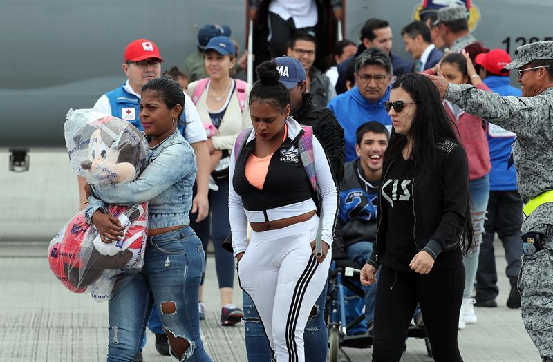Colombia repatría a un grupo de ciudadanos afectados por el huracán Irma en el Caribe (Foto: EFE)