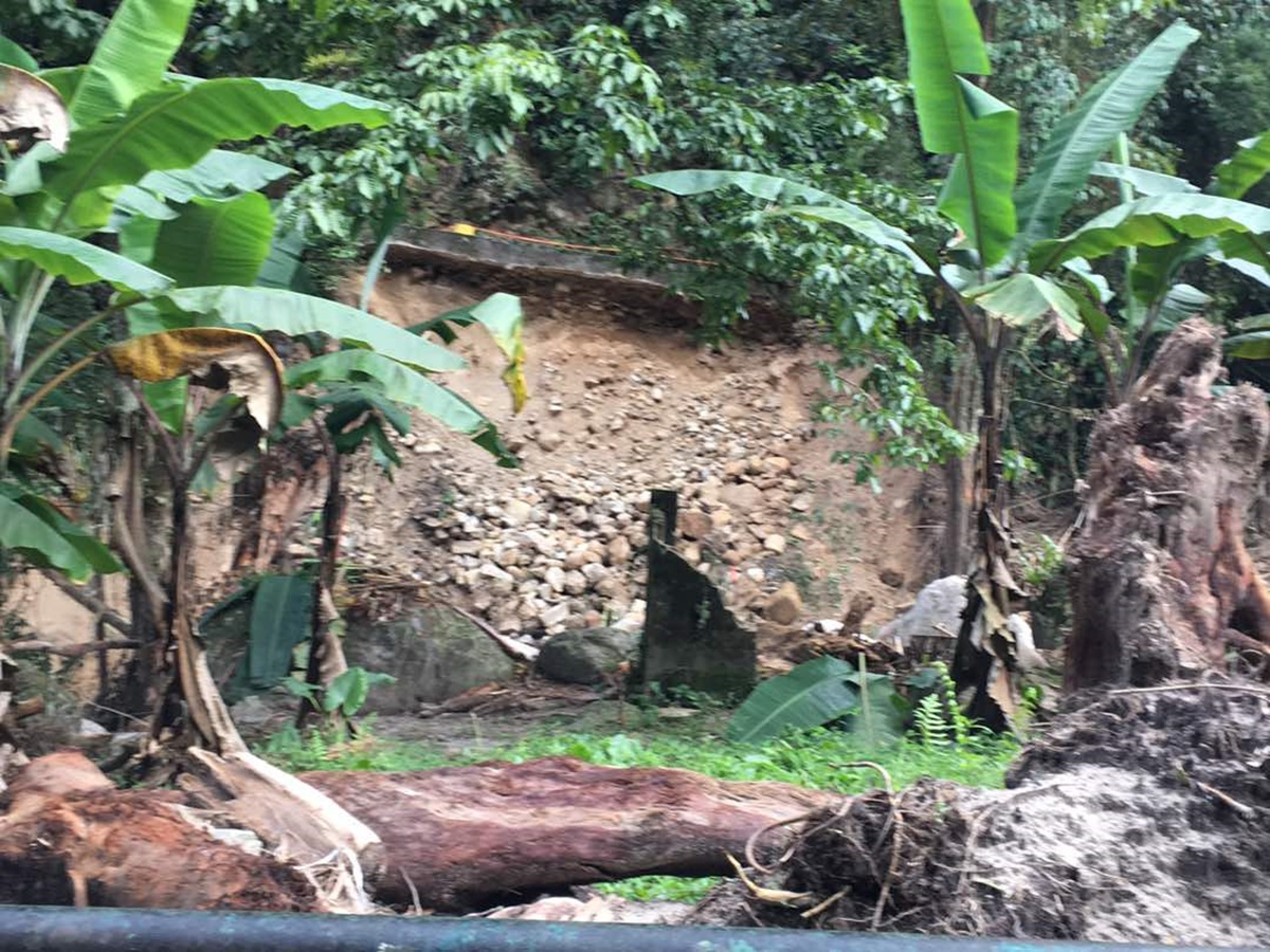 Río Las Mercedes, sector Romerito, desde una de las viviendas afectadas / Foto:  Vanessa Rodríguez