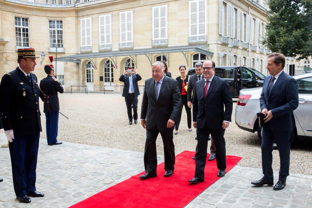 El presidente del Senado de Francia recibe a Julio Borges y Freddy Guevara (Foto Twitter)
