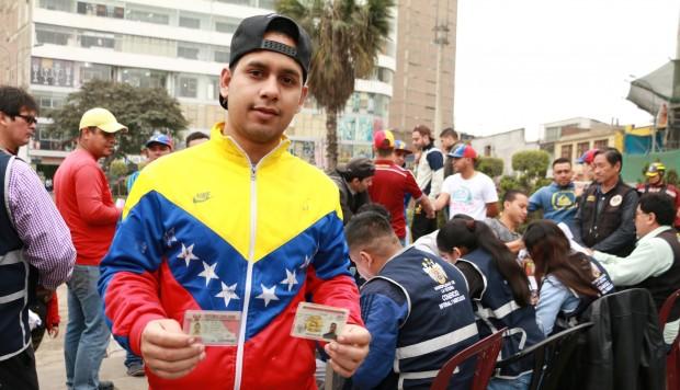 Como parte de una segunda etapa de regularización, Migraciones entregó formalmente el PTP a 30 ciudadanos venezolanos que llegaron al país entre febrero y julio. (Foto: Difusión)