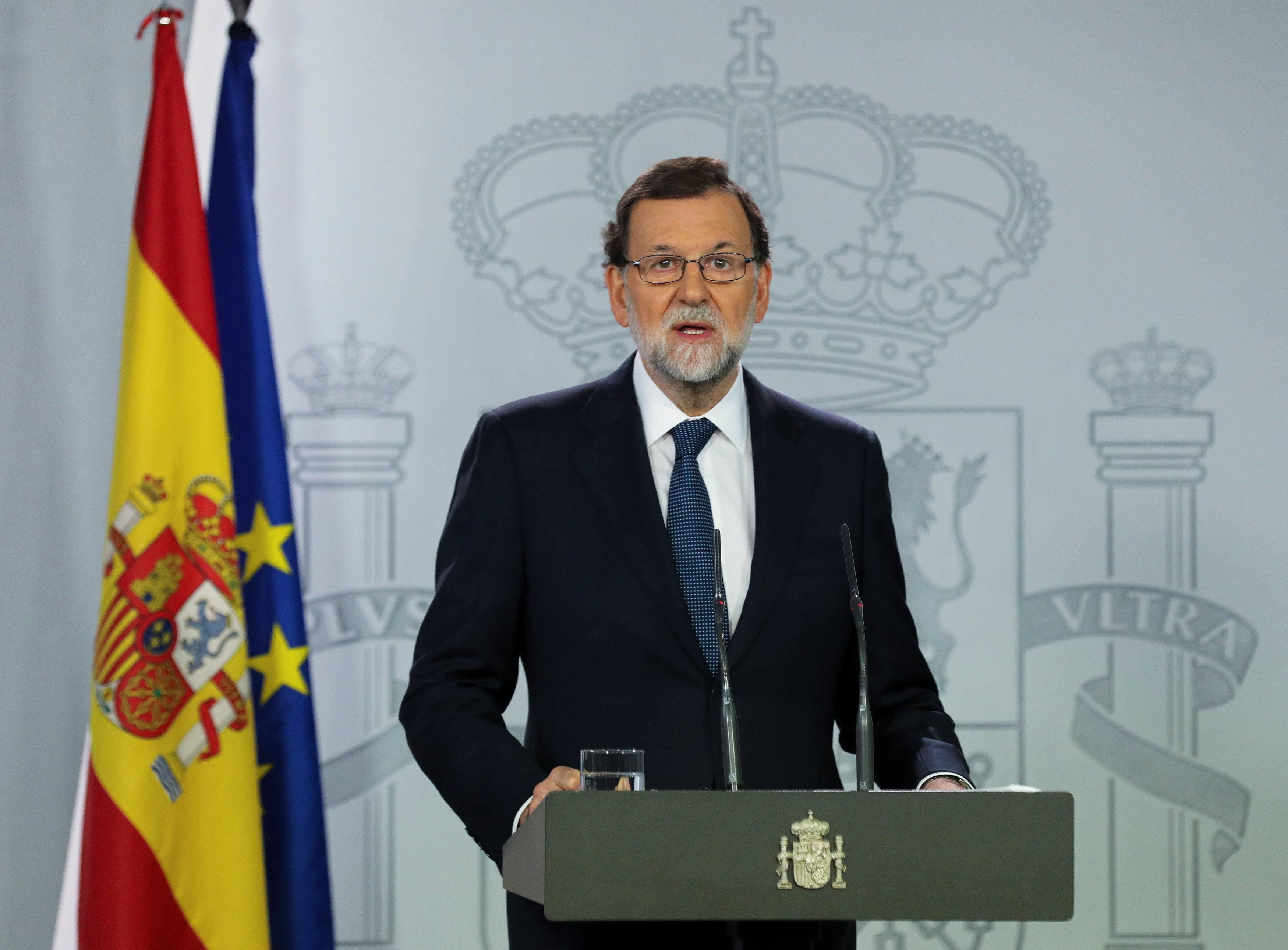 El Primer Ministro español Mariano Rajoy entrega una declaración en el Palacio de la Moncloa en Madrid, España, 11 de octubre de 2017. REUTERS / Sergio Pérez