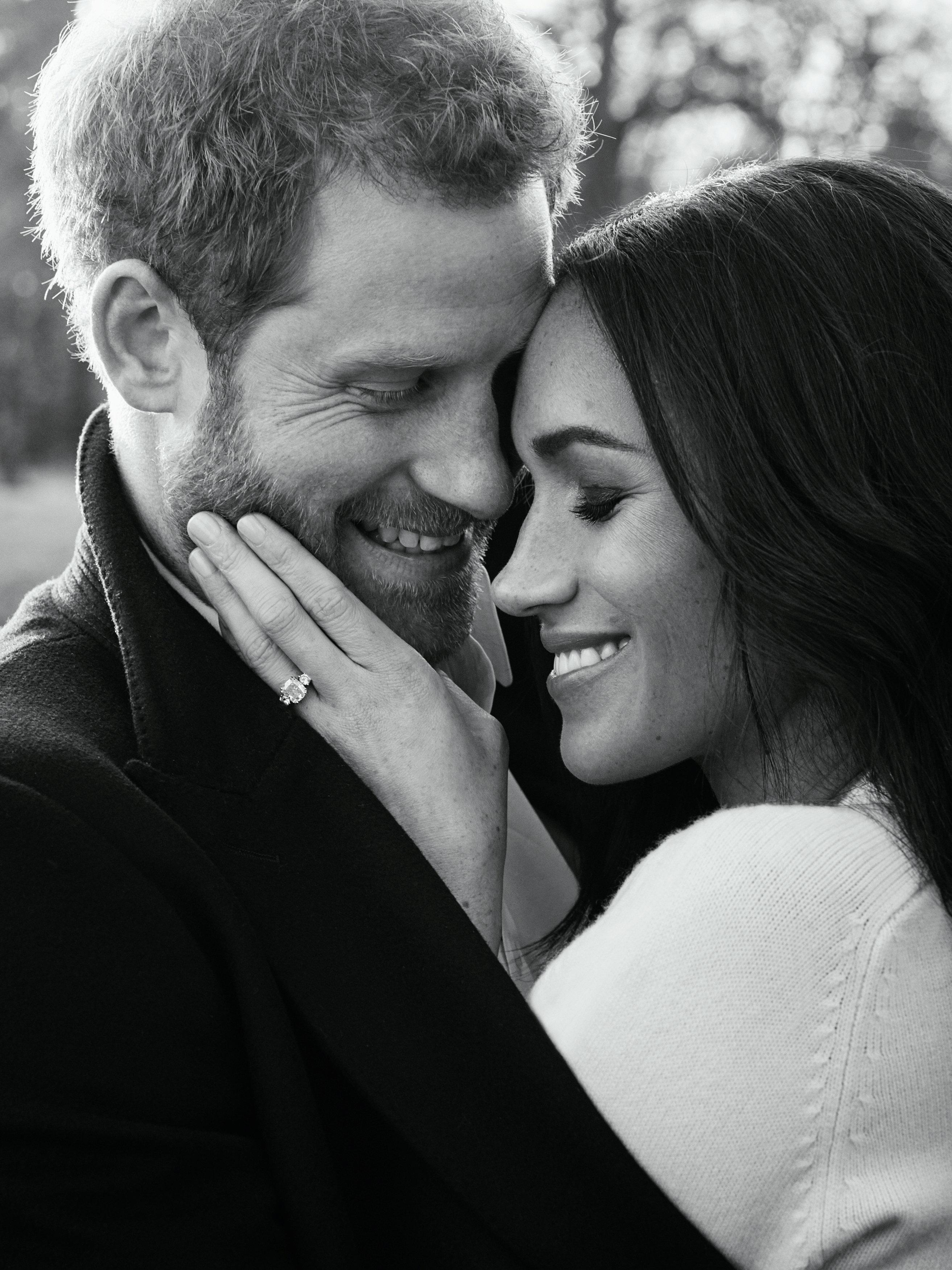 One of two official engagement photos released on December 21, 2017 by Kensington Palace of Prince Harry and Meghan Markle taken by Alexi Lubomirski at Frogmore House in Windsor, Britain. Picture taken in the week commencing December 17, 2017. REUTERS/Alexi Lubomirski/Pool ATTENTION EDITORS - THIS IMAGE WAS SUPPLIED BY A THIRD PARTY. NO RESALES. NO ARCHIVE.