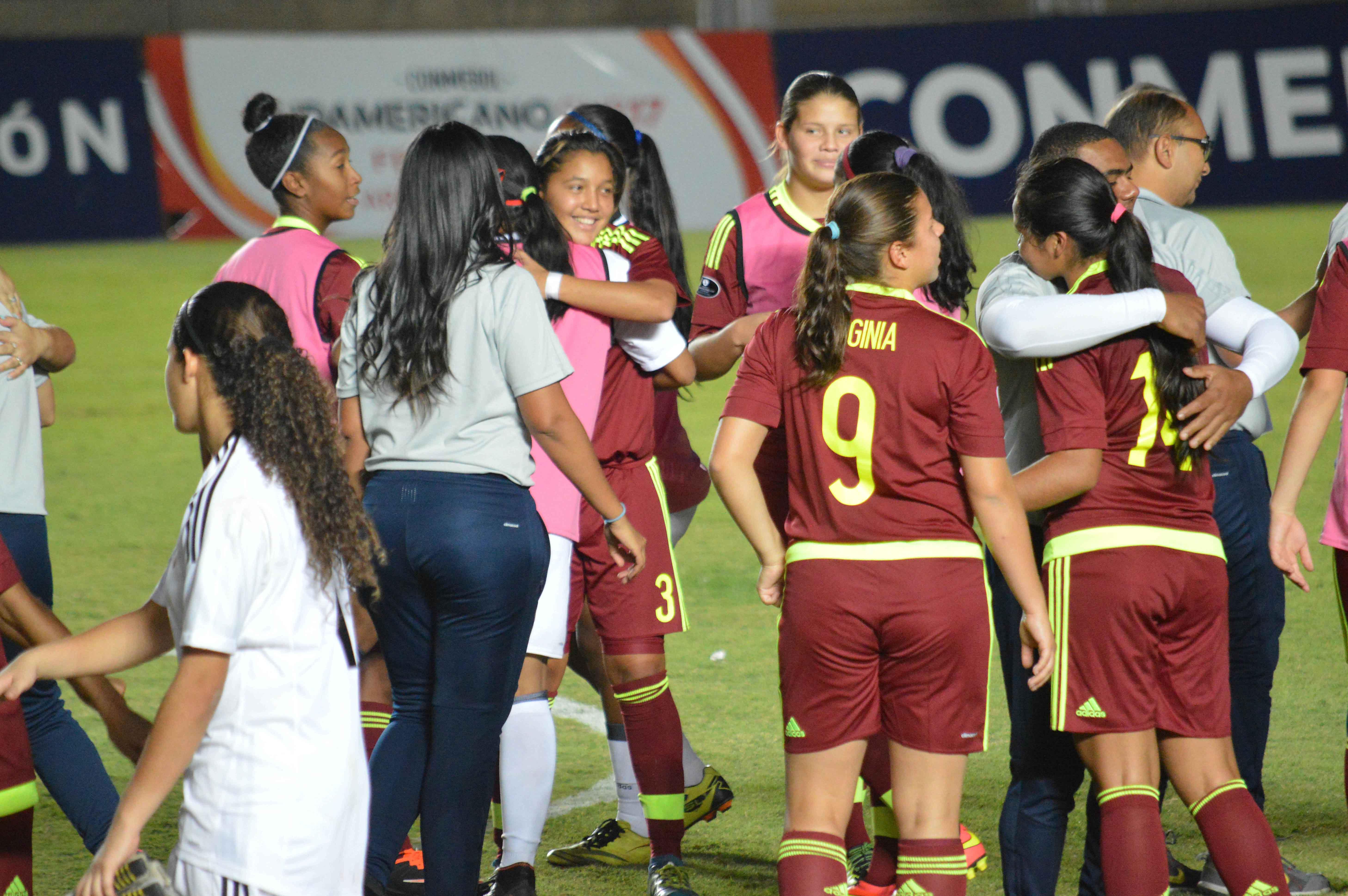 Con goles de Bárbara Olivieri (65') y Wilmary Argüelles (83'), la Vinotinto femenina sub-17 se impuso a la selección charrúa | FOTO: Prensa FVF