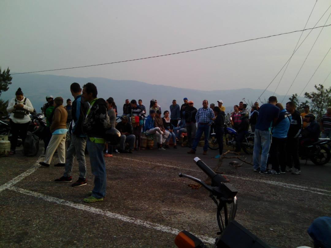 Foto: Protesta en el Táchira por falta de gas doméstico / Cortesía