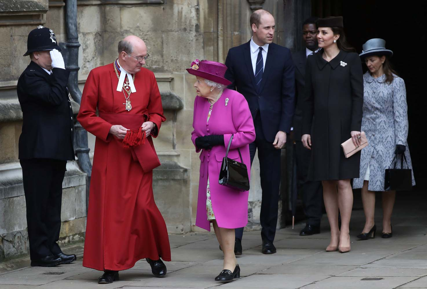 Britain's Queen Elizabeth and Prince William and Catherine, Duchess of Cambridge, leave the annual Easter Sunday service at St George's Chapel at Windsor Castle in Windsor, Britain, April 1, 2018. REUTERS/Simon Dawson