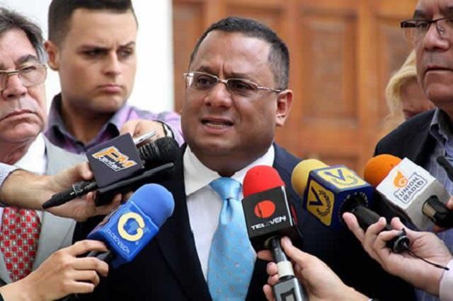 Diputado Ronderos // Foto Prensa