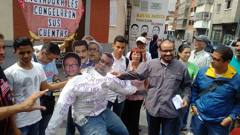 En Caracas quemaron al hambreador Judas Maduro Farías Reverol de Lucena (5)