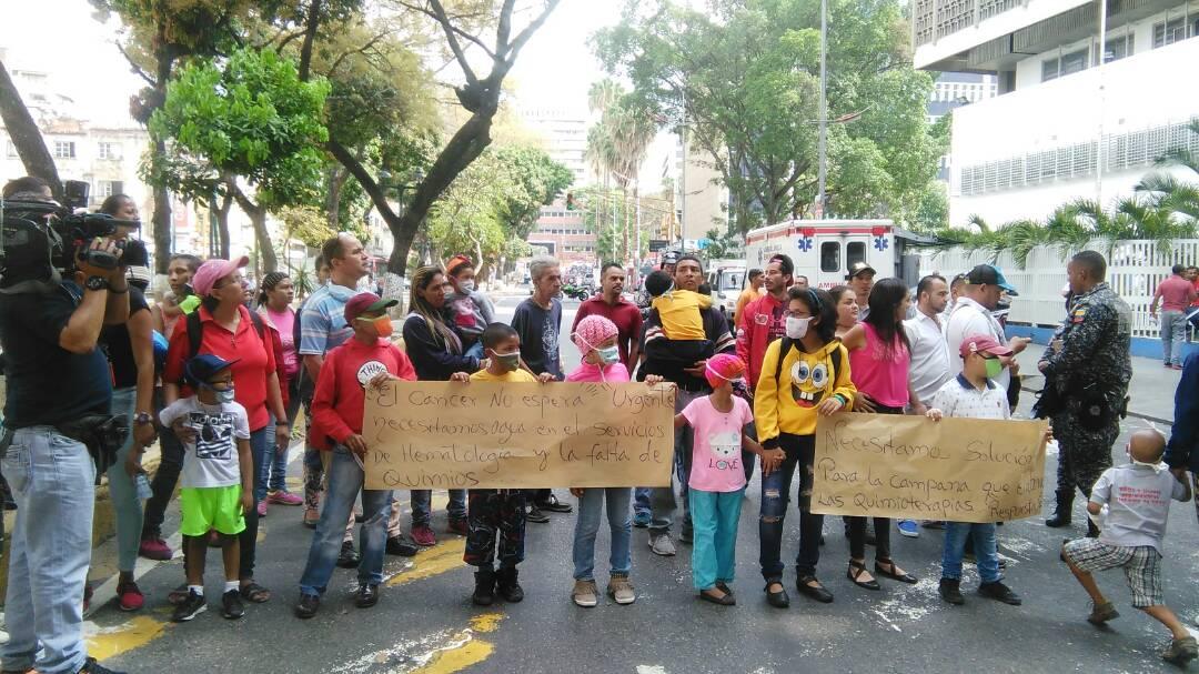 Foto: Protesta en el Hospital JM de Los Rios / Cortesía
