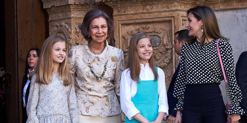 Al final, doña Sofía pudo posar para la foto con sus nietas