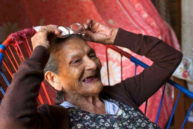 ¡Nunca es tarde! Mexicana de 96 años decidida a alcanzar su sueño: estudiar bachillerato